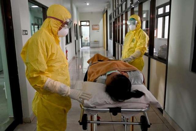 Điều gì xảy ra với cơ thể khi bị nhiễm COVID-19? - 1