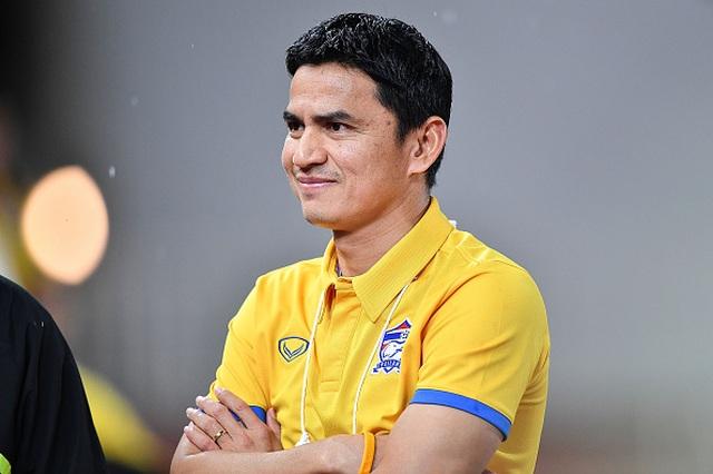 """HLV Nishino """"ấm chỗ"""", Kiatisuk hết cửa trở lại nắm đội tuyển Thái Lan - 1"""
