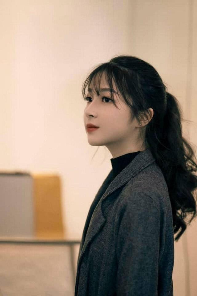 """Nữ sinh Hà thành """"gieo thương nhớ"""" với góc nghiêng xinh đẹp - 1"""