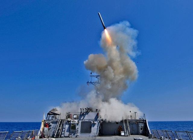 Hải quân Mỹ tính mua hàng trăm tên lửa đối phó hạm đội Trung Quốc - 1