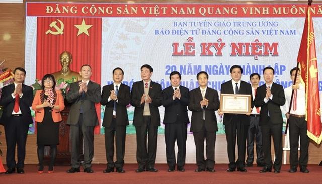 Báo điện tử Đảng Cộng sản Việt Nam đón nhận Huân chương Lao động hạng Nhì - 1
