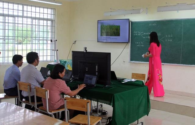Học sinh vùng quê thích thú với lớp học trực tuyến giữa mùa dịch - 2