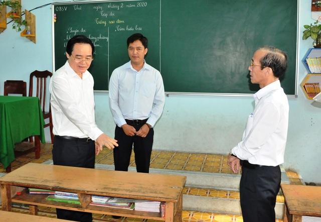 Bộ trưởng Phùng Xuân Nhạ: Chủ động trong chuyên môn, không lơ là chống dịch  - 2