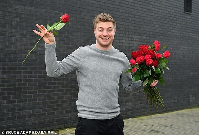 Valentine của chàng trai có hơn 2.000 người muốn hẹn hò - 6