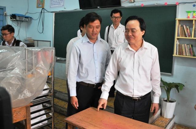Bộ trưởng Phùng Xuân Nhạ: Chủ động trong chuyên môn, không lơ là chống dịch  - 4