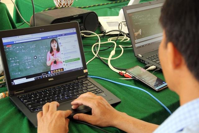 Học sinh vùng quê thích thú với lớp học trực tuyến giữa mùa dịch - 4