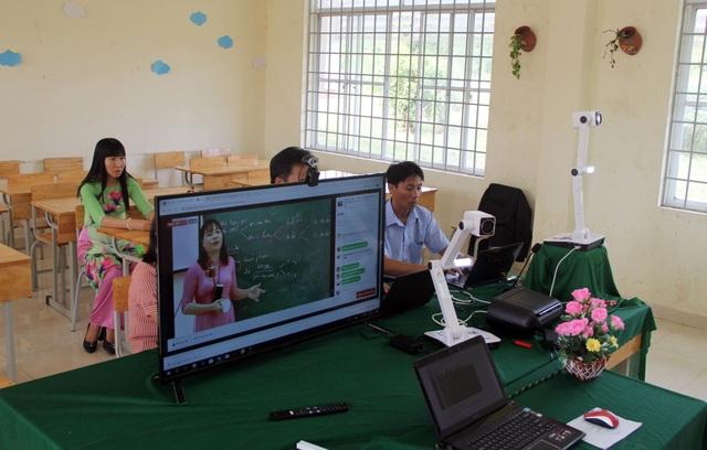 Học sinh vùng quê thích thú với lớp học trực tuyến giữa mùa dịch - 8