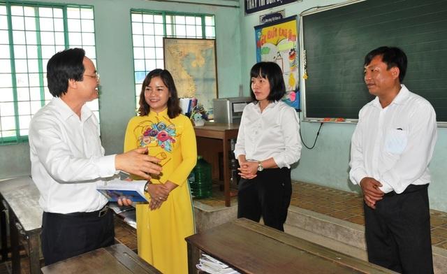 Bộ trưởng Phùng Xuân Nhạ: Chủ động trong chuyên môn, không lơ là chống dịch  - 3
