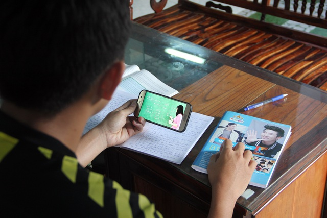 Học sinh vùng quê thích thú với lớp học trực tuyến giữa mùa dịch - 5