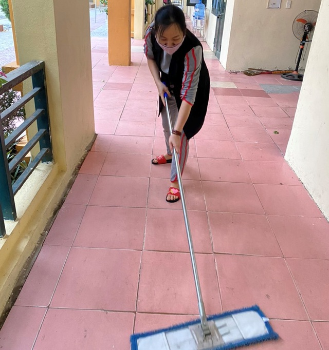 Thanh Hóa: Các trường phun khử trùng lần 2, dọn vệ sinh để đón HS trở lại - 4