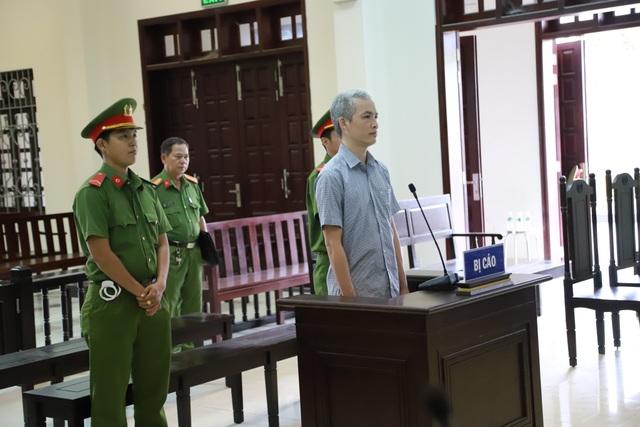 Nhận 2.500 USD, phó Viện trưởng Viện KSND lãnh 5 năm tù - 1