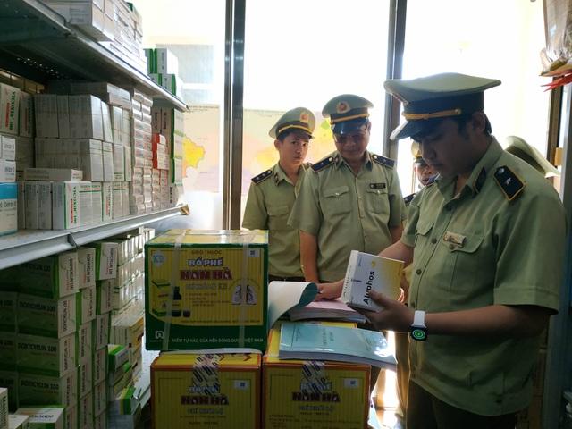 Đắk Lắk: Bán khẩu trang đắt gấp 4 lần, một công ty bị phạt 50 triệu đồng - 1
