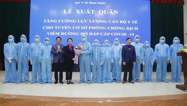 Vĩnh Phúc: Tăng cường 161 y, bác sĩ về tuyến cơ sở đối phó với dịch corona - 2