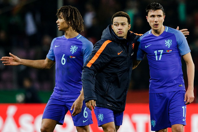 Văn Hậu bất ngờ được tuyển thủ Hà Lan tặng áo - 2
