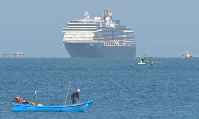"""2.000 người được """"giải phóng"""" khỏi du thuyền bị """"hắt hủi""""  - 1"""