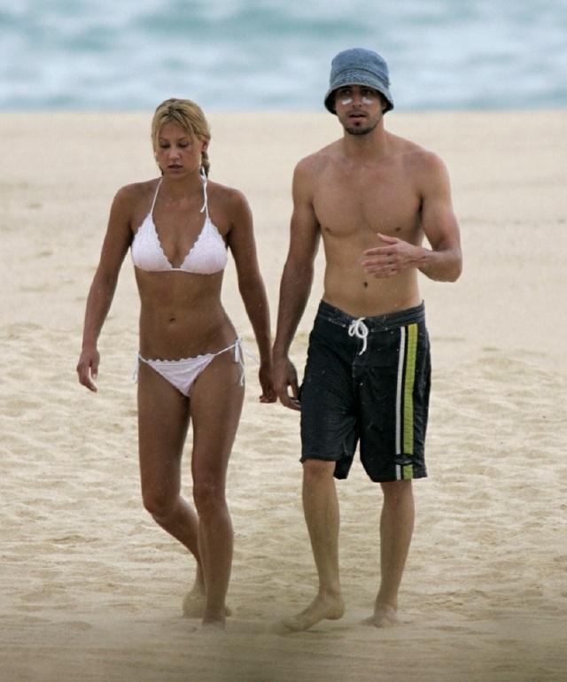 Enrique Iglesias và Anna Kournikova bí mật đón đứa con thứ ba - 5