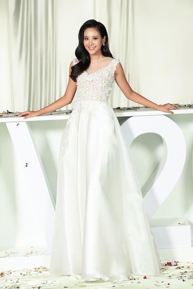 Hoa hậu Ji Hyun, H'Hen Niê, Khánh Vân tung ảnh quyến rũ ngày Lễ tình nhân - 4