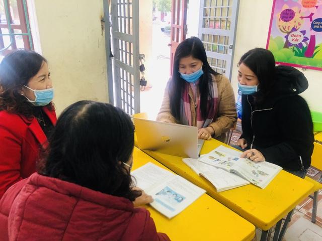 Hà Tĩnh: Giáo viên, phụ huynh hối hả dọn vệ sinh để đón học sinh trở lại - 5