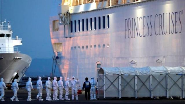 8 người nhiễm virus corona trên du thuyền ở Nhật Bản nguy kịch - 1