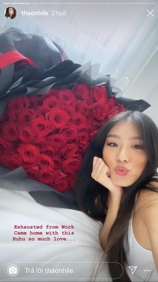 Hot girl đua nhau khoe quà Valentine đắt đỏ và hoành tráng - 2