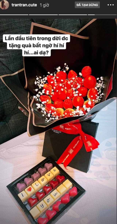 Hot girl đua nhau khoe quà Valentine đắt đỏ và hoành tráng - 4