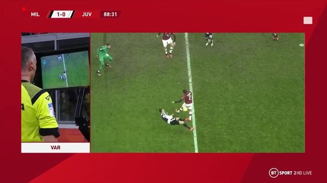 C.Ronaldo sắm vai cứu tinh cho Juventus nhờ bàn thắng tranh cãi - 2
