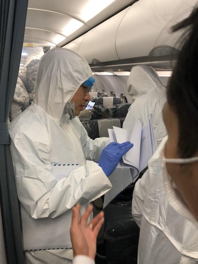 Điều chưa tiết lộ trên chuyến bay đưa người Việt từ Vũ Hán về nước - 1