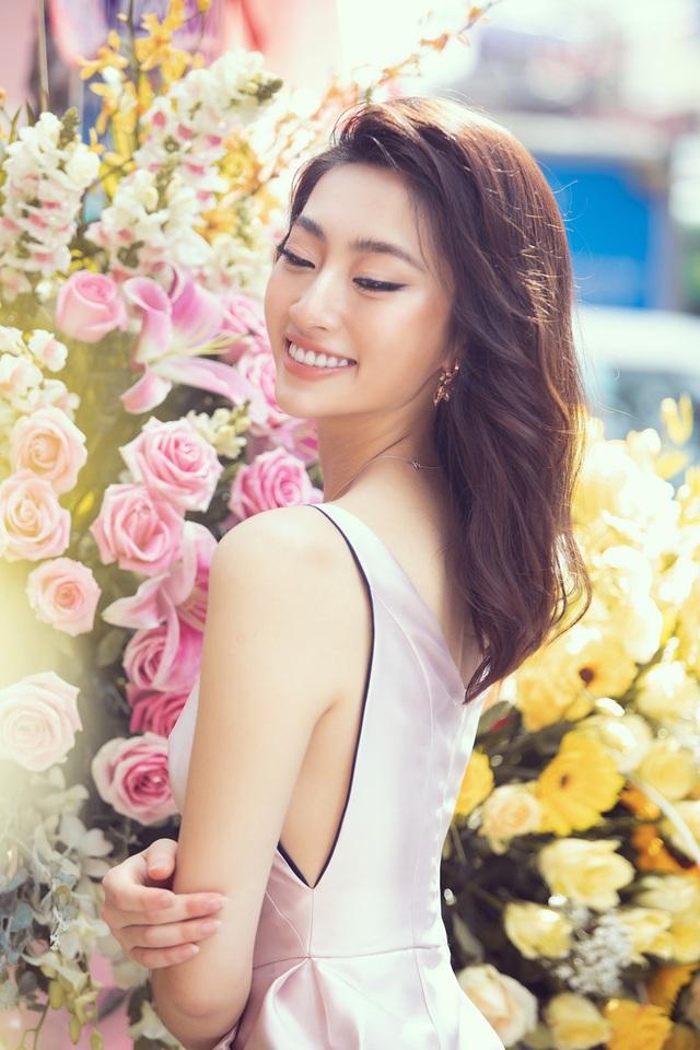 U40 Lệ Quyên đọ sắc cùng hoa hậu Đỗ Mỹ Linh, Lương Thùy Linh - 8