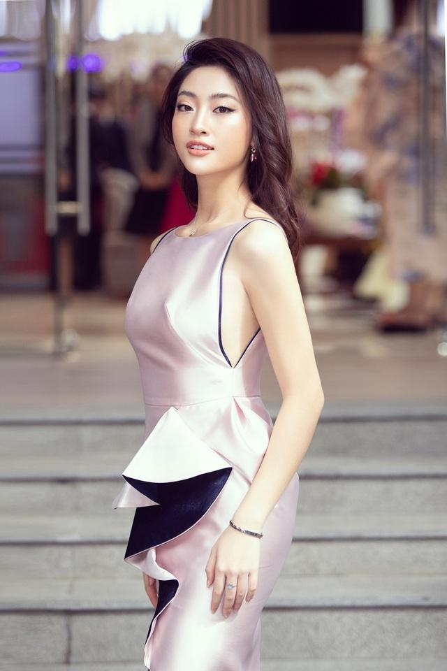 U40 Lệ Quyên đọ sắc cùng hoa hậu Đỗ Mỹ Linh, Lương Thùy Linh - 7