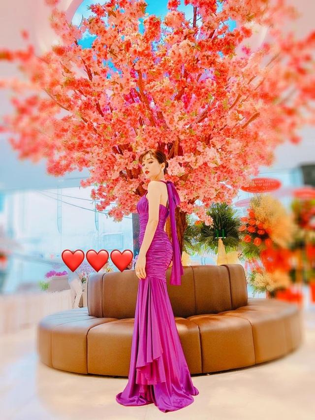 U40 Lệ Quyên đọ sắc cùng hoa hậu Đỗ Mỹ Linh, Lương Thùy Linh - 3