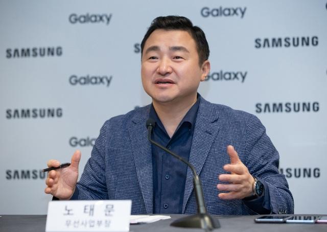 Samsung tự tin có thể làm smartphone 3 màn hình gập - 2
