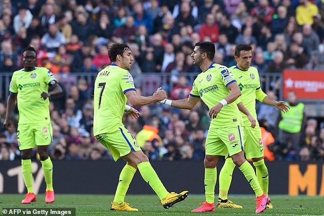 Griezmann tỏa sáng, Barcelona đánh bại đội xếp thứ ba La Liga - 8