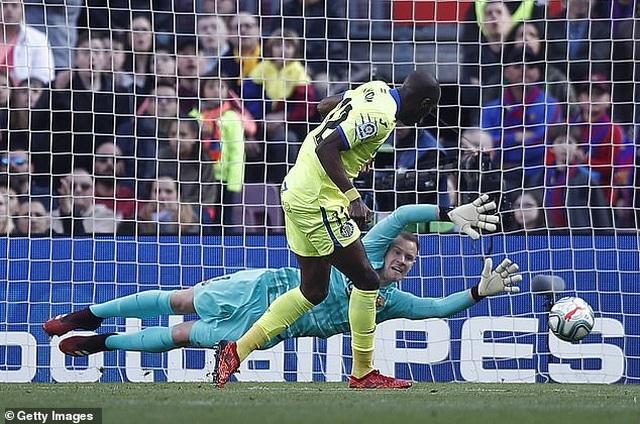 Griezmann tỏa sáng, Barcelona đánh bại đội xếp thứ ba La Liga - 2