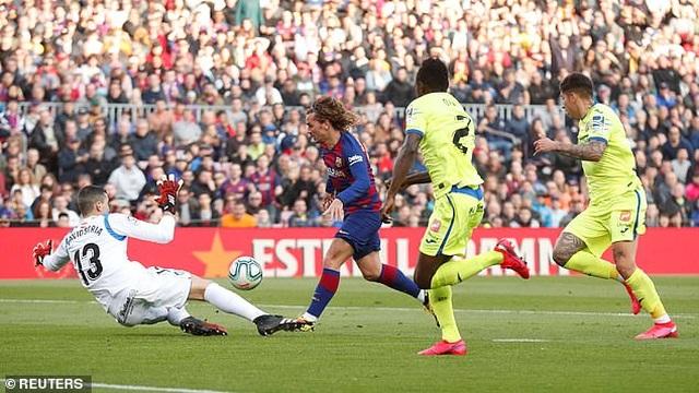 Griezmann tỏa sáng, Barcelona đánh bại đội xếp thứ ba La Liga - 9