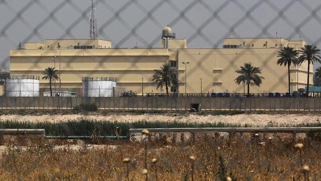 Căn cứ quân sự nằm gần đại sứ quán Mỹ ở Iraq bị tấn công - 1