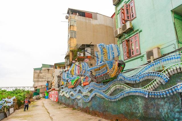 Sửng sốt con đường ngập rác ở Hà Nội đẹp không tin nổi sau khi cải tạo - 1