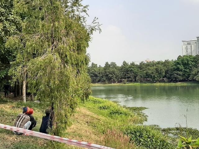Nhảy xuống hồ nước trong công viên, 2 người chết đuối - 1