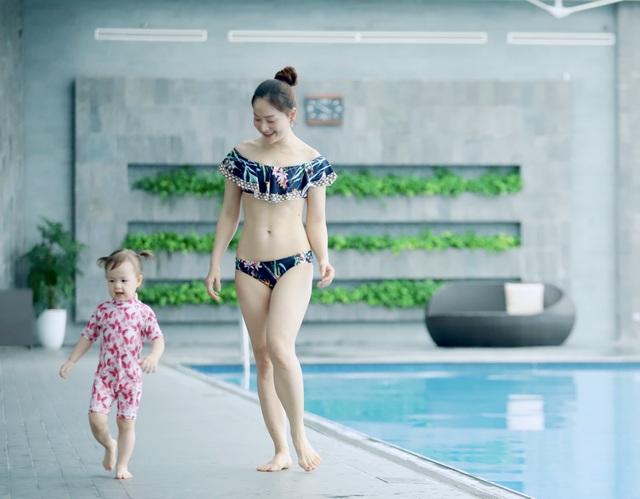 Lan Phương gây tranh cãi vì đưa con gái đi bơi giữa dịch corona - 8
