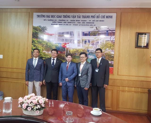 Trường ĐH Giao thông Vận tải TPHCM thành lập nhóm nghiên cứu mạnh đầu tiên - 3