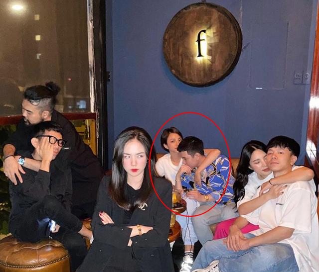 Hai hot boy đình đám cùng công khai bạn gái sau mùa lễ tình nhân - 2