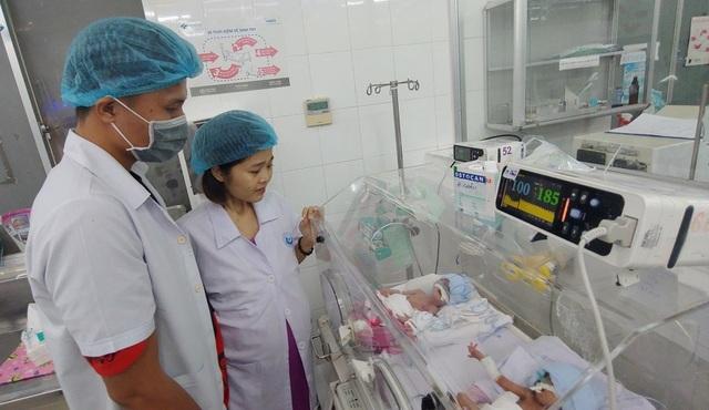 Người mẹ ung thư chịu bệnh hành hạ nhường sự sống cho con - 2