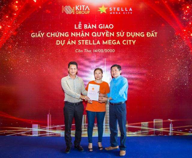 KITA Group bàn giao Chứng nhận quyền sử dụng đất dự án Stella Mega City - 1