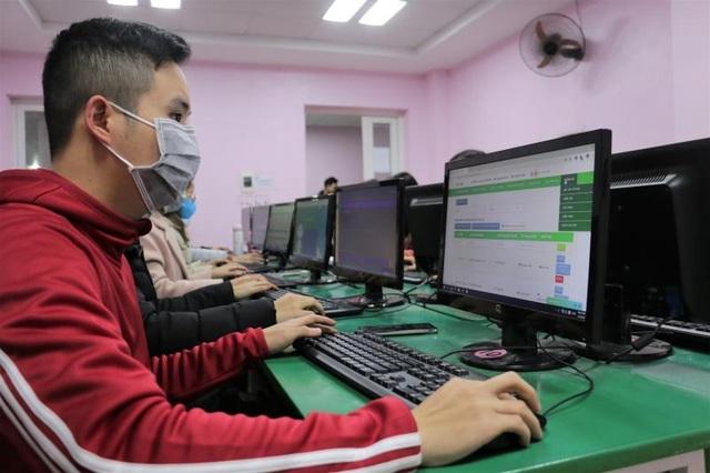 Hà Nội: Cấm các trường thu phí học online mùa dịch Covid-19 - 1