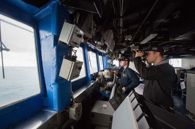 Mỹ đưa tàu chiến đi qua  Biển Đông và eo biển Đài Loan - 1
