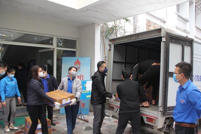 26.000 khẩu trang hỗ trợ nhân dân Vĩnh Phúc chống dịch Covid-19 - 1