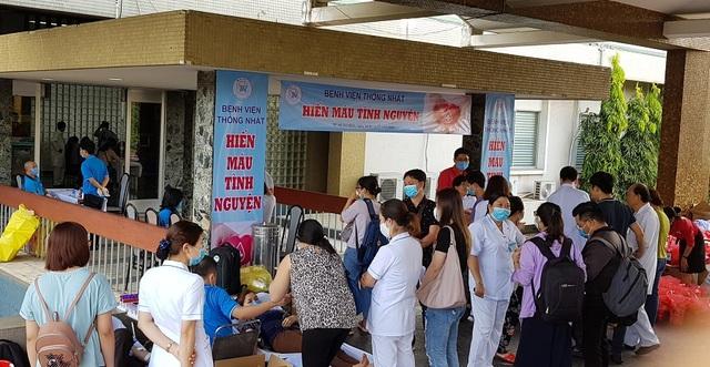 Vượt qua nỗi sợ Covid - 19, người Sài Gòn nô nức đi hiến máu - 1