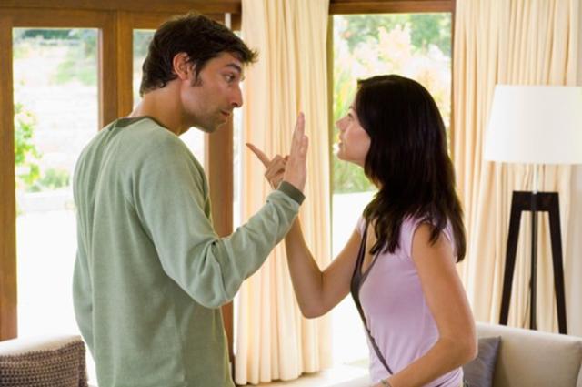 Chồng chết đứng vì lý do vợ đòi ra ở riêng có một không hai trên đời - 1