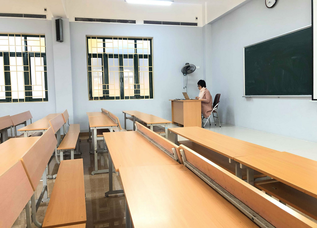 Dịch Covid -19: Lớp học không người học của trường ĐH Thương Mại - 5
