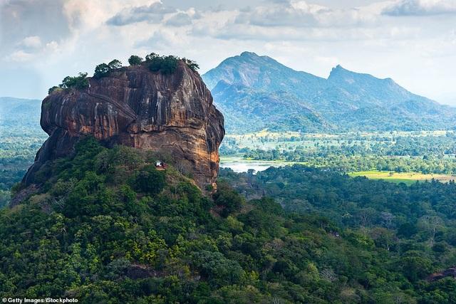 Việt Nam lọt Top 10 các điểm nghỉ dưỡng sang trọng nhất thế giới - 4