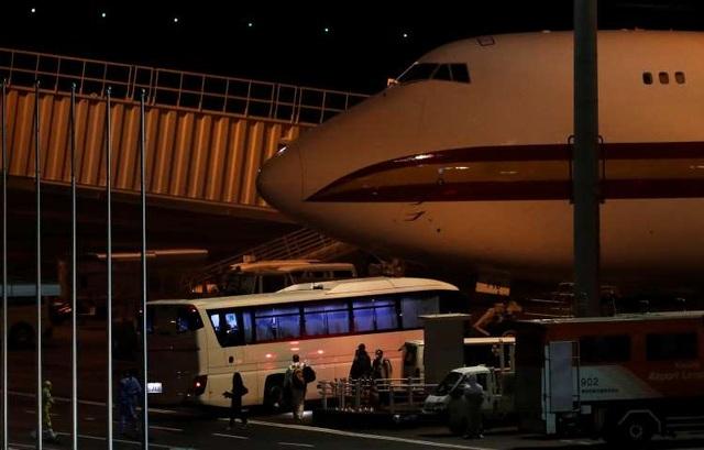 Mỹ sơ tán gần 400 công dân khỏi du thuyền Diamond Princess trong đêm - 1